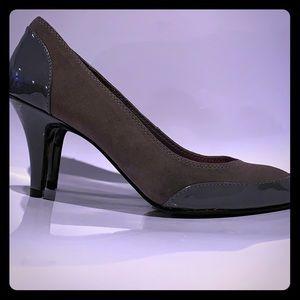 ISAAC MIZRAHI suede & patent leather heels